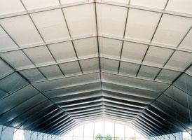 Detalle de zona de carpa con doble techo y sin doble techo
